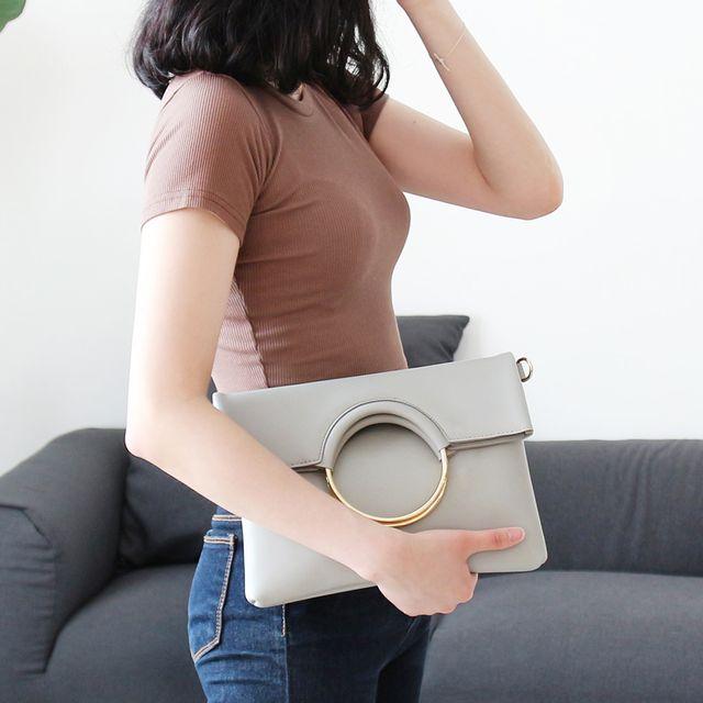 W 빅 골드링 포인트 여성 나들이 외출 가방 숄더백