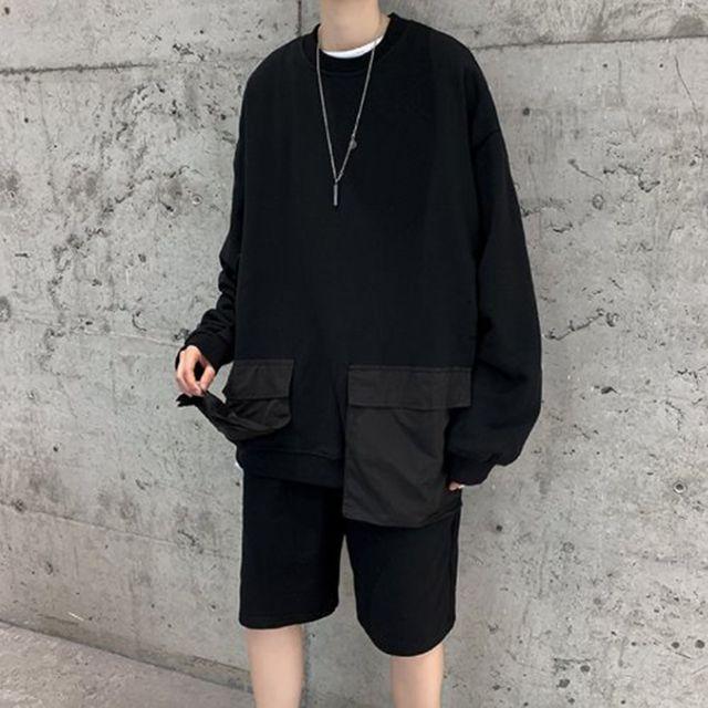 W 남자 오버핏 스타일 긴 포켓 검은색 라운드 티셔츠