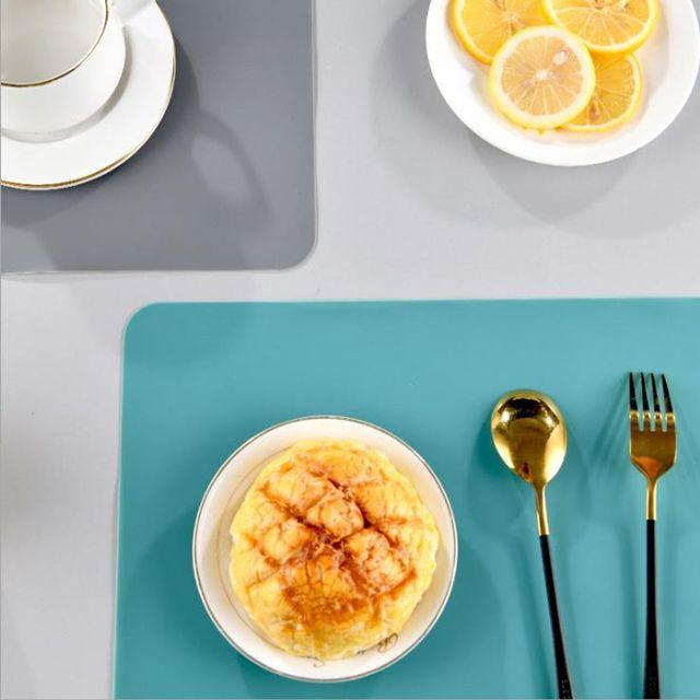 W 키밍 실리콘 방수 식탁보 심플 테이블매트 식탁깔개