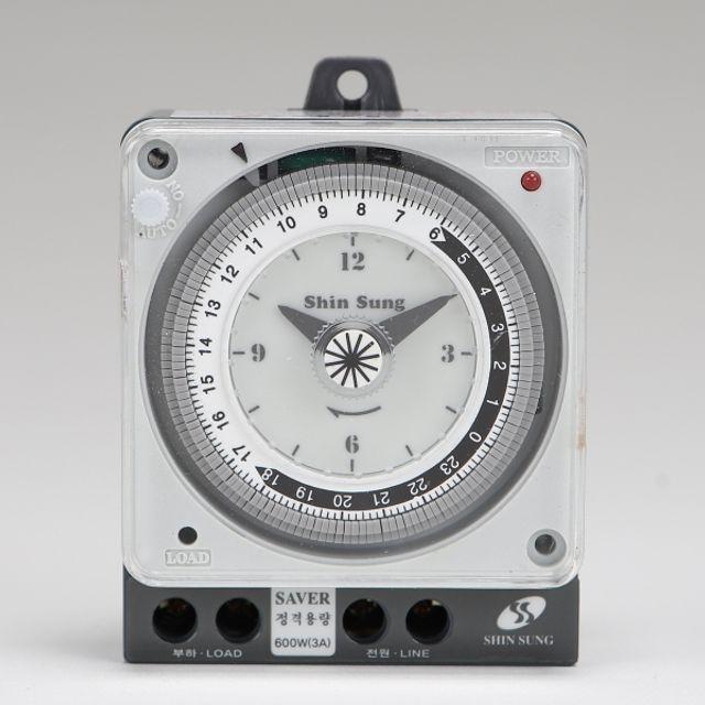 타임스위치 판넬 내장형 4단자 산업용 간판타이머