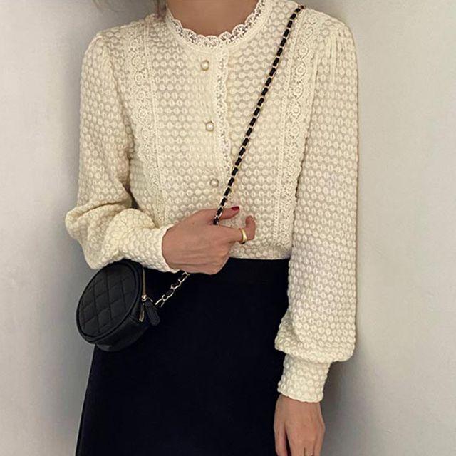 W 레이스넥 블라우스 간절기 예쁜 셔츠 20대 30대 여성