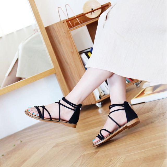 여성 스트랩 끈샌들 낮은굽 신발 비치룩 패션 슈즈
