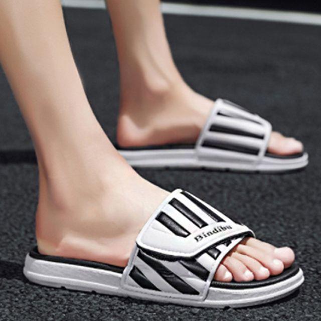 W 커플 여름 슬리퍼 남자 여자 여름 패션 인기 슈즈