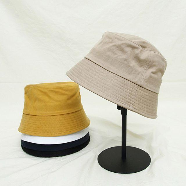 학생 커플 일상생활 벙거지 모자 나들이 여행 버킷햇
