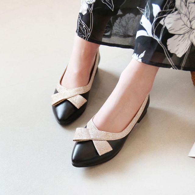 W 화사한 포인트 직장인 여성 출근 패션 구두