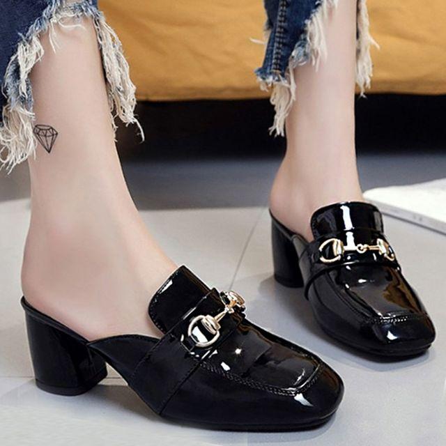 W 귀여운 디자인 유광 여자 패션 통굽 블로퍼 펌프스