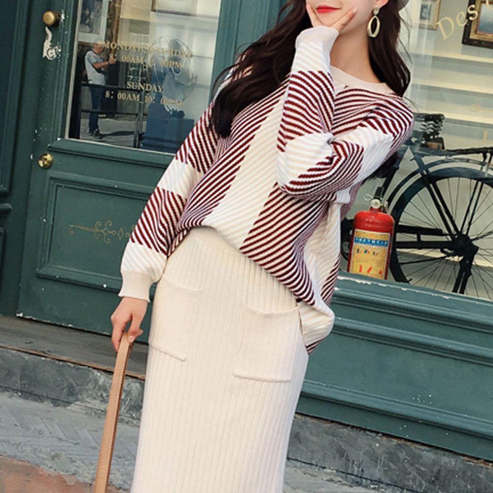 매력적인 스트라이프 도톰한 니트 포근한 여성 니트